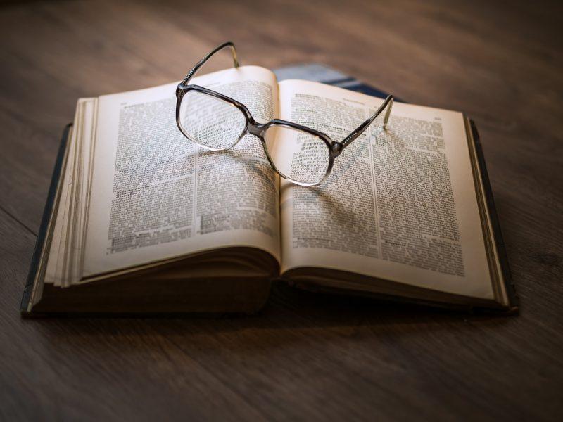 Porti gli occhiali? Allora sei più intelligente!