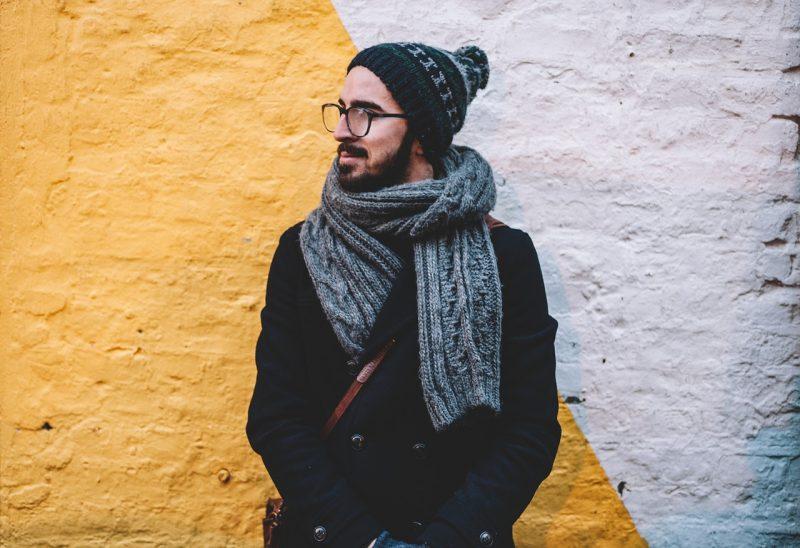 Chi porta gli occhiali è più intelligente ed onesto degli altri