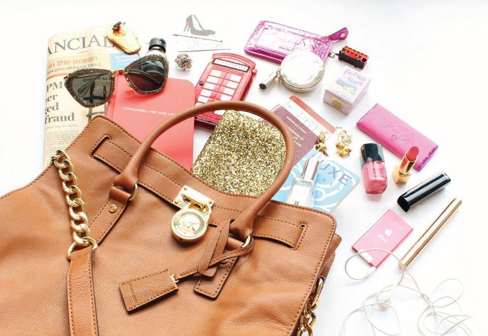 Borsa delle donne: gli oggetti indispensabili che non devono mai mancare