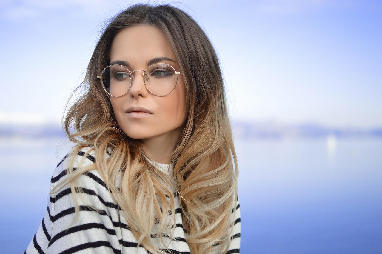 Portare gli occhiali significa essere più intelligenti!