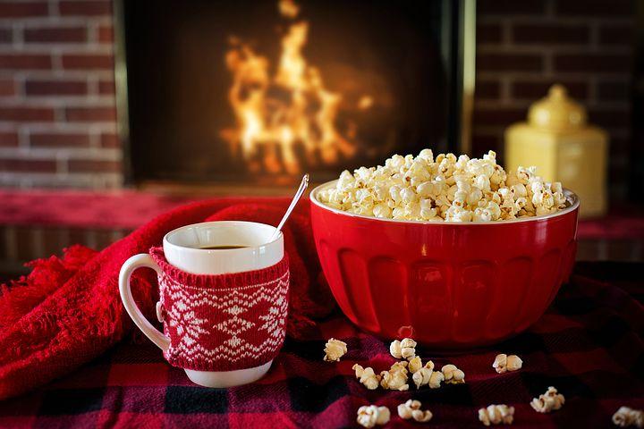Popcorn davanti ad un camino