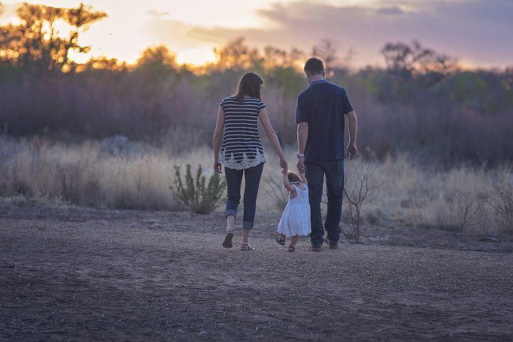 Papà, mamma e figlia