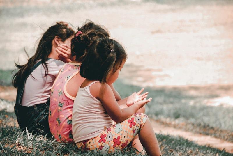 Bambine che giocano