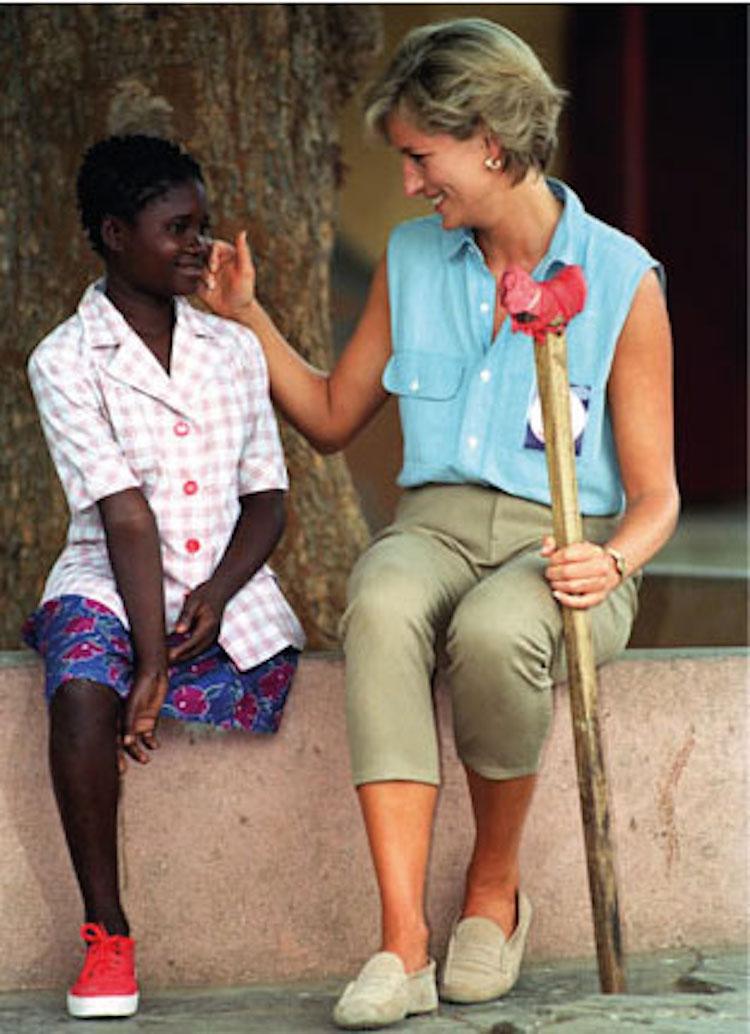 Lady Diana con un bambino