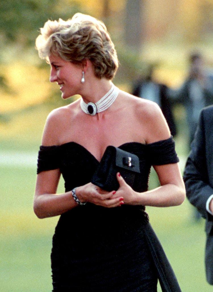 Lady Diana in un abito nero