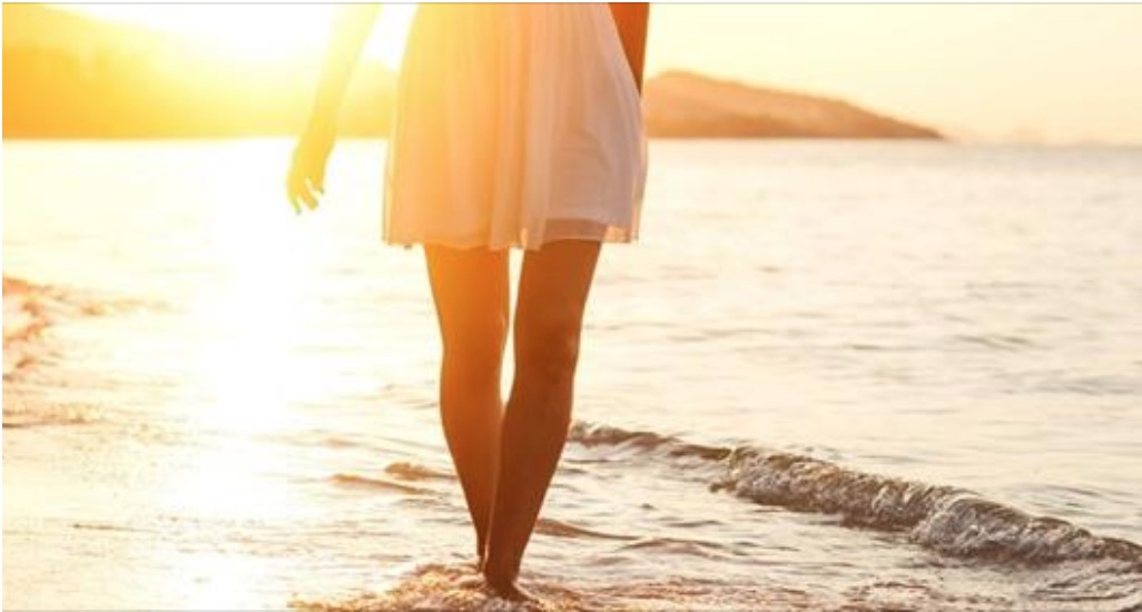 Benefici di una passeggiata: rende il cervello creativo e elimina la tristezza