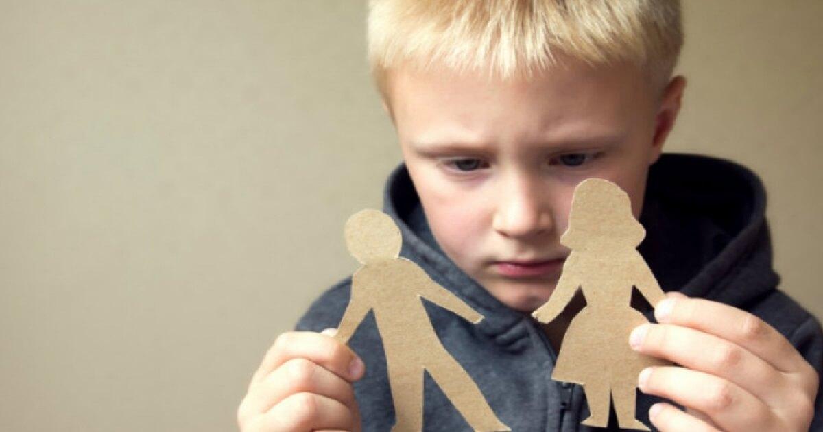 Photo of Ad un figlio non si parla male di un genitore. Tutte le conseguenze sullo sviluppo psicologico che comporta