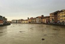 Photo of Arno in piena,  ore di paura a Pisa. Negozi , scuole e ponti chiusi. Il video