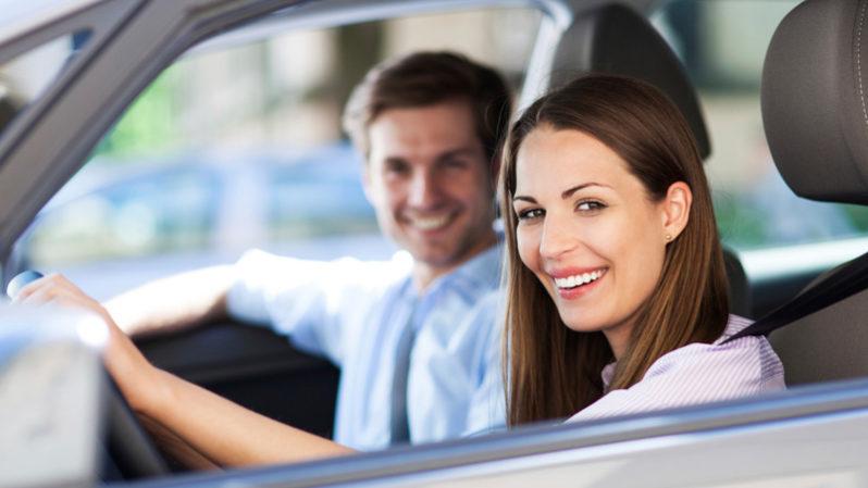 Le donne guidano meglio degli uomini