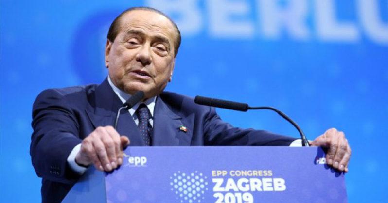 Silvio Berlusconi cade a Zagabria. Il comunicato dei suoi portavoce