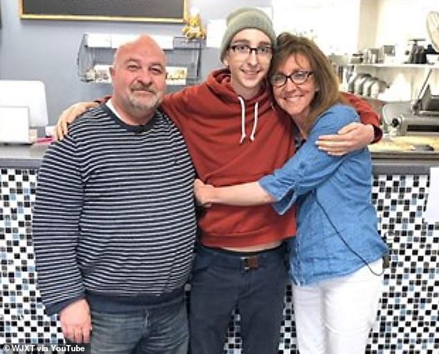 Madre, padre e figlio malati di tumore