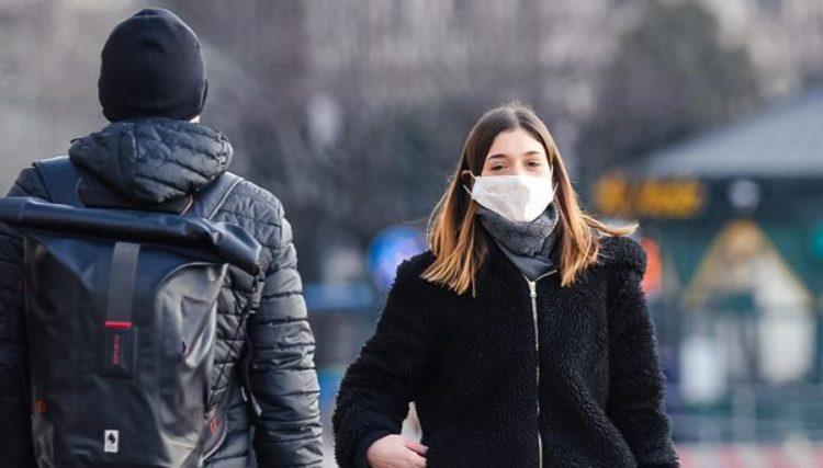 Coronavirus: le mascherine di Fendi vanno a ruba