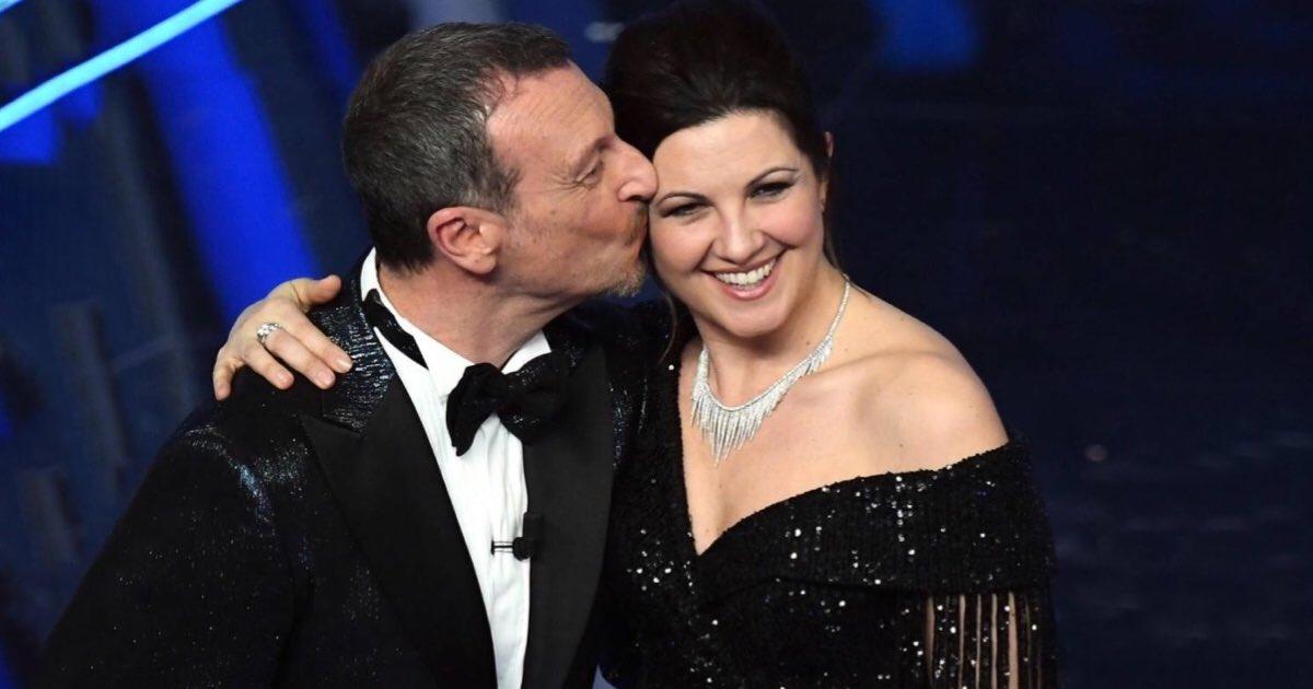 Dedica di Giovanna Civitillo per Amadeus dopo la serata di Sanremo 2020