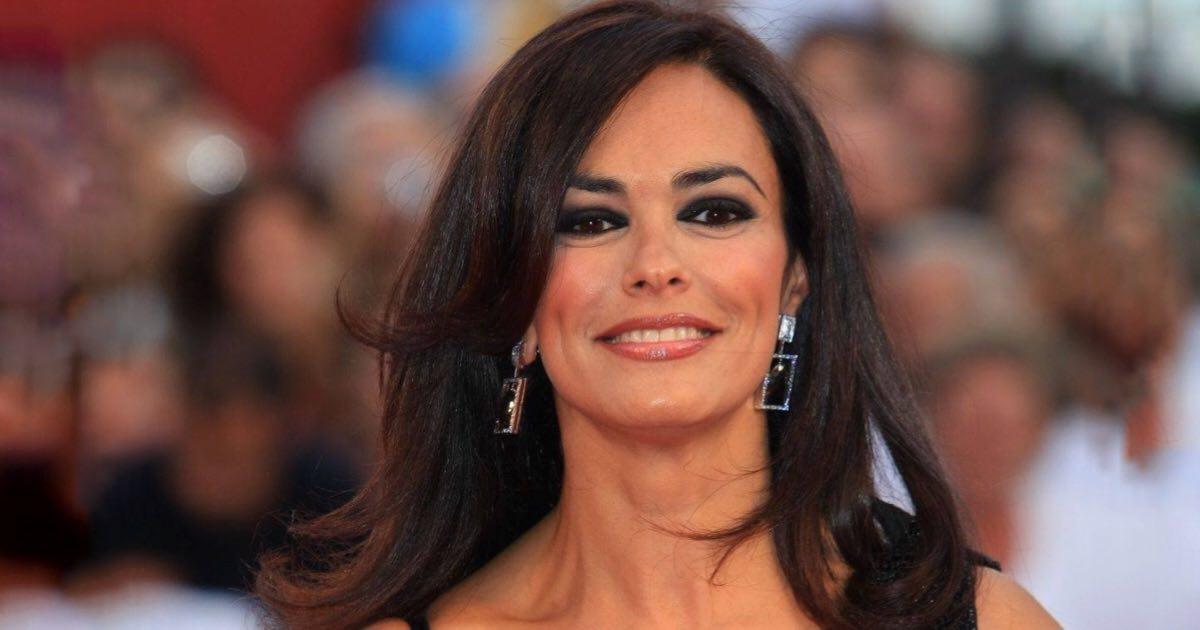 Maria Grazia Cucinotta ricoverata a Napoli per un malore
