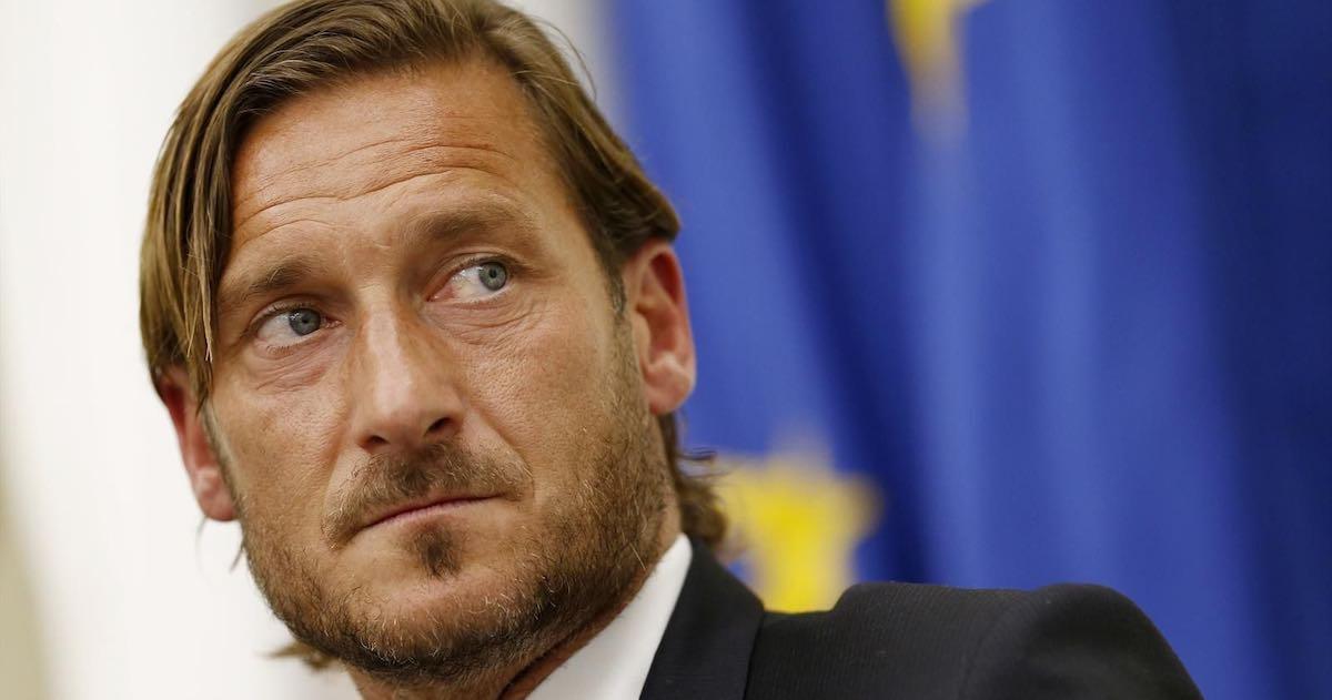 Francesco Totti dona apparecchi