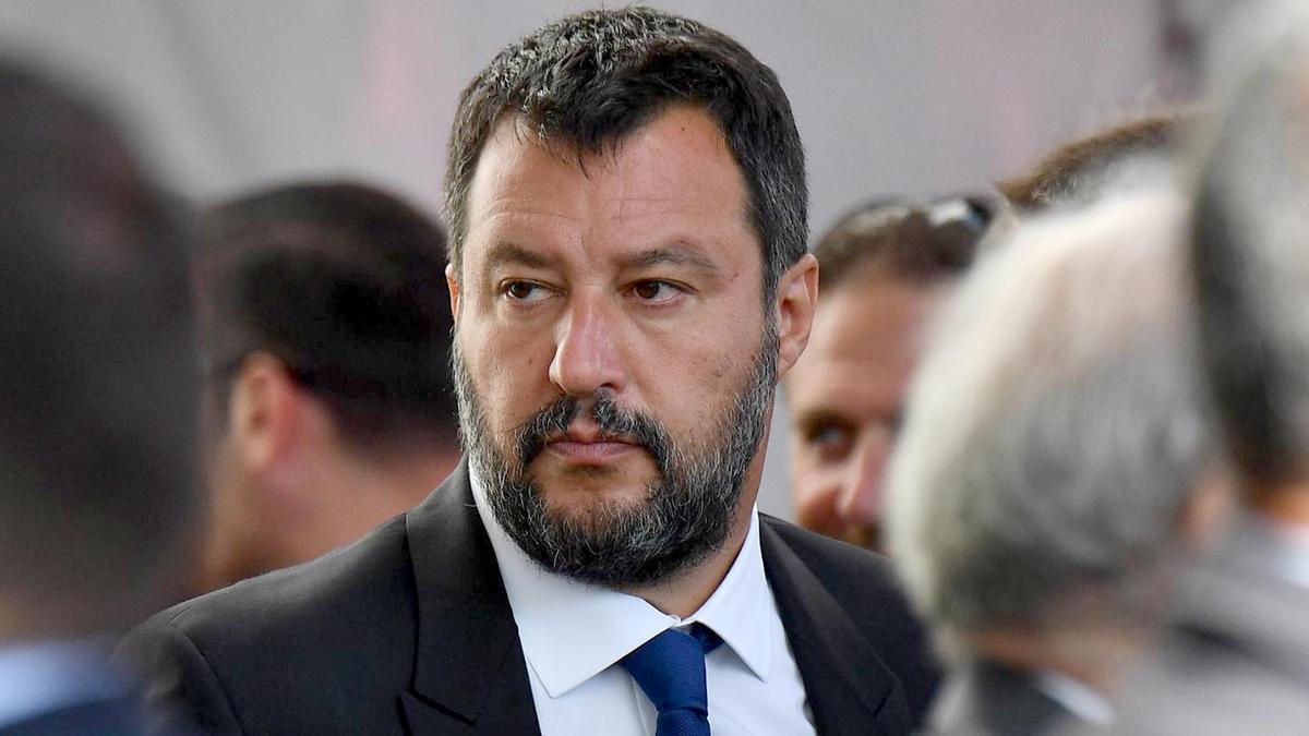 Coronavirus. Poliziotto della scorta di Matteo Salvini positivo