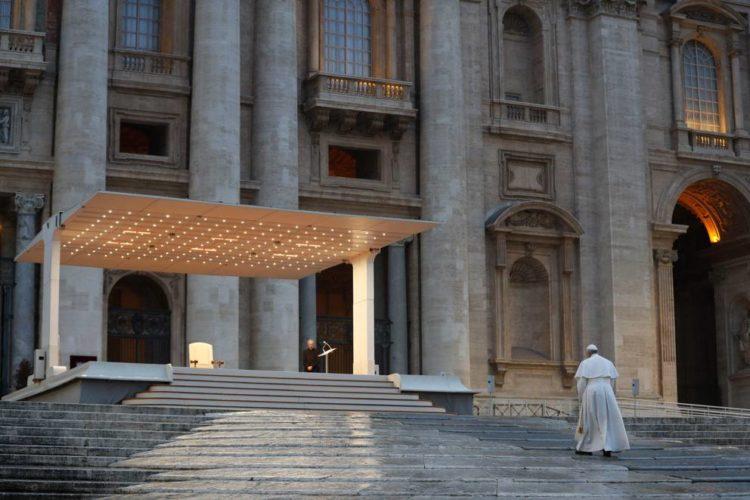 La preghiera di Papa Francesco contro il Coronavirus