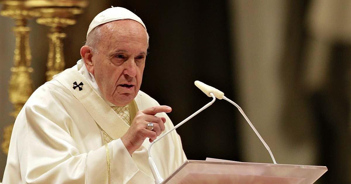Papa Francesco si scontra con i vescovi