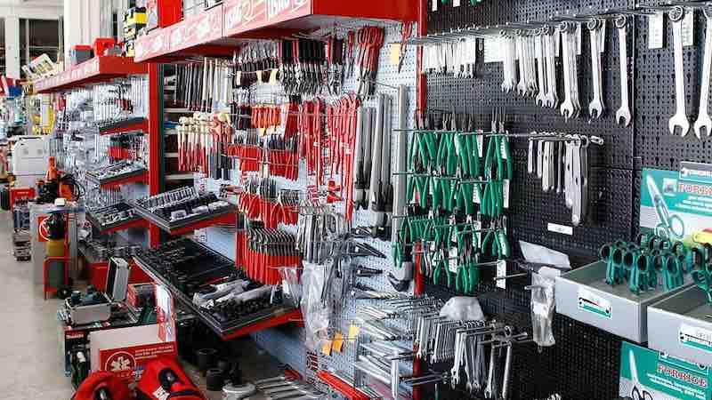 Titolare di ferramenta