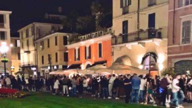 """Photo of Fase 2. Brescia, folla nella piazza della movida, il sindaco Del Bono: """"Da oggi richiudo la sera"""""""