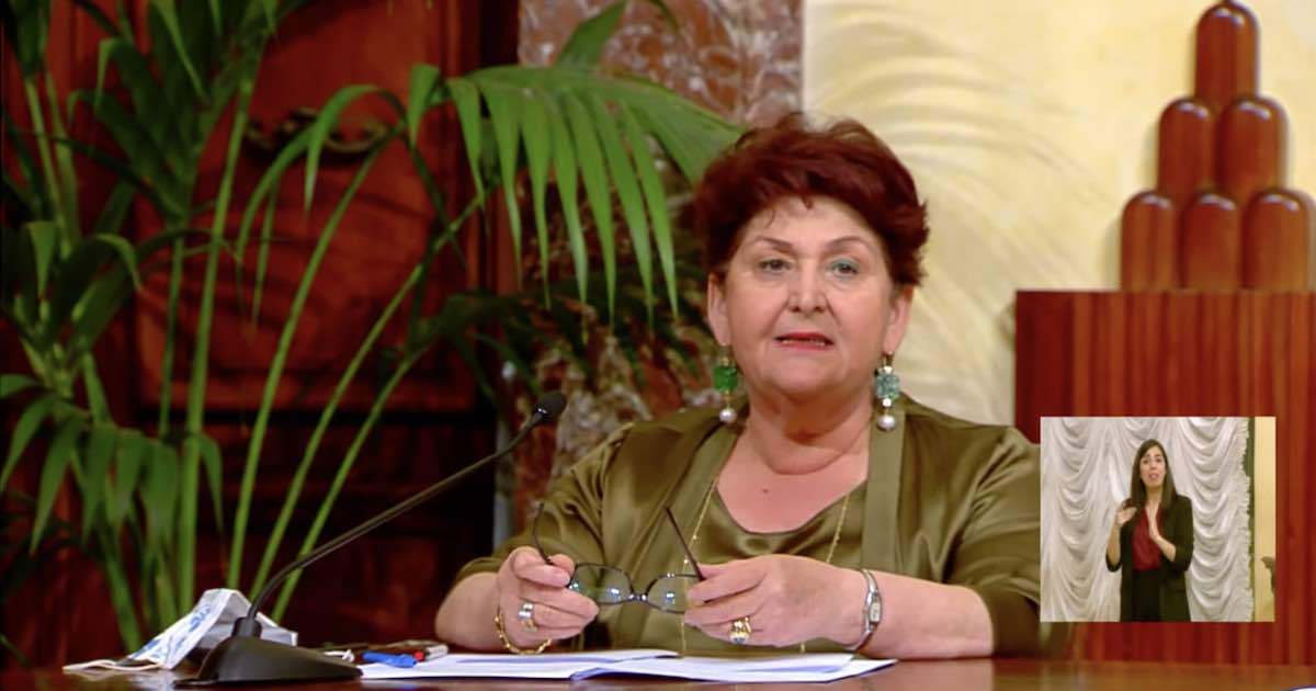 Teresa Bellanova piange in diretta