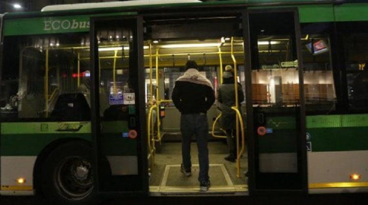 Coronavirus: 30 persone assembrate sul bus