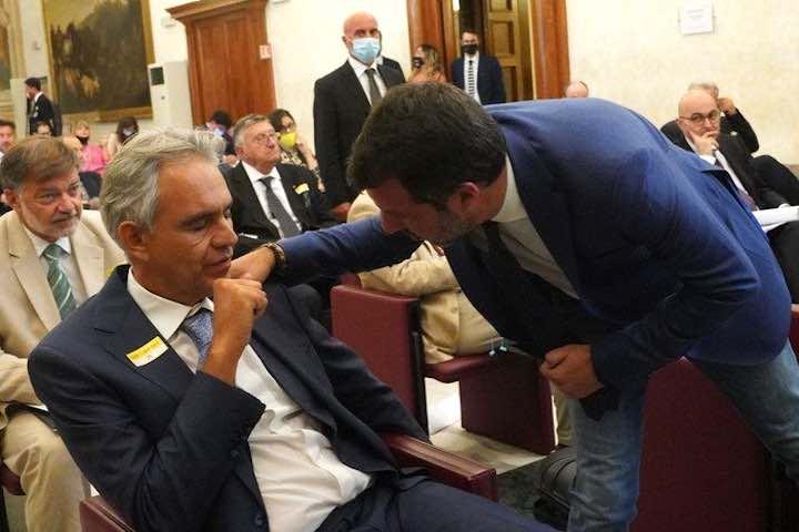 Bocelli, Covid-19 e il convegno dei negazionisti