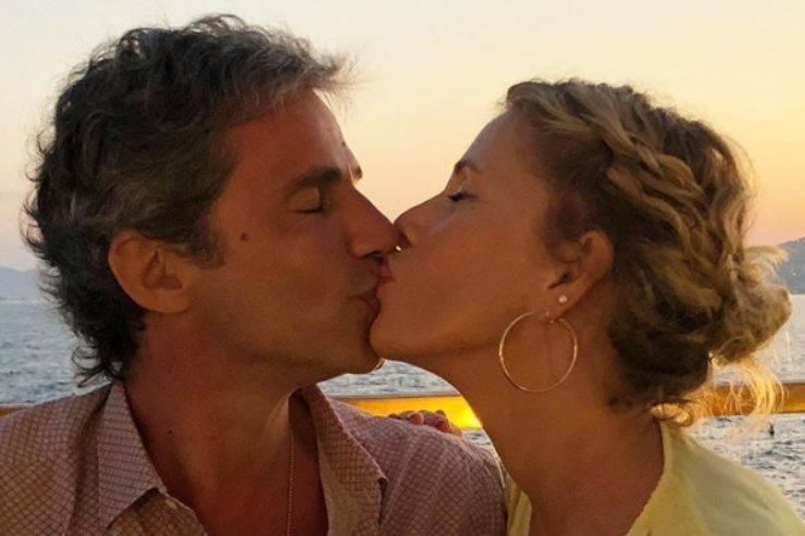 Alessia Marcuzzi cerca di spegnere il gossip