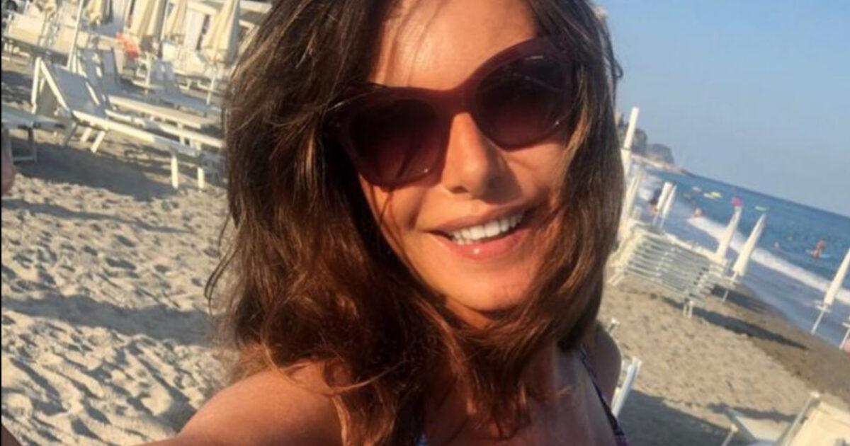 Emanuela Folliero in bikini mozzafiato