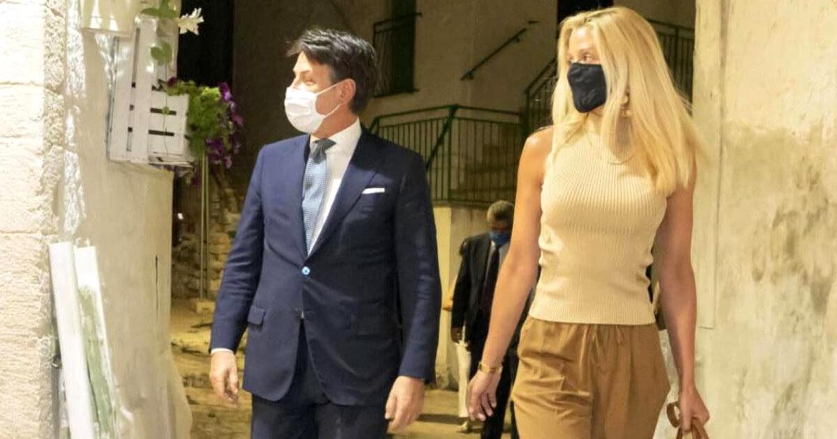 Giuseppe Conte, polemiche per la borsa di Olivia Paladino