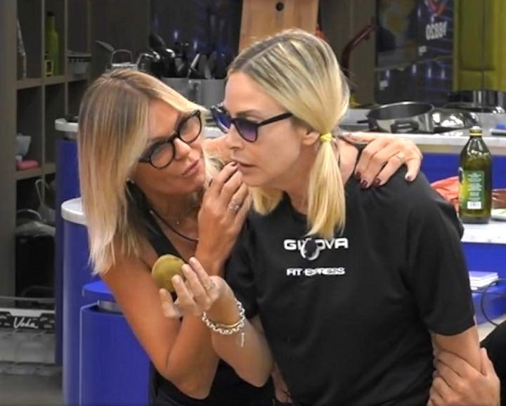 Stefania Orlando e Franceska Pepe, scoppia la lite furibonda