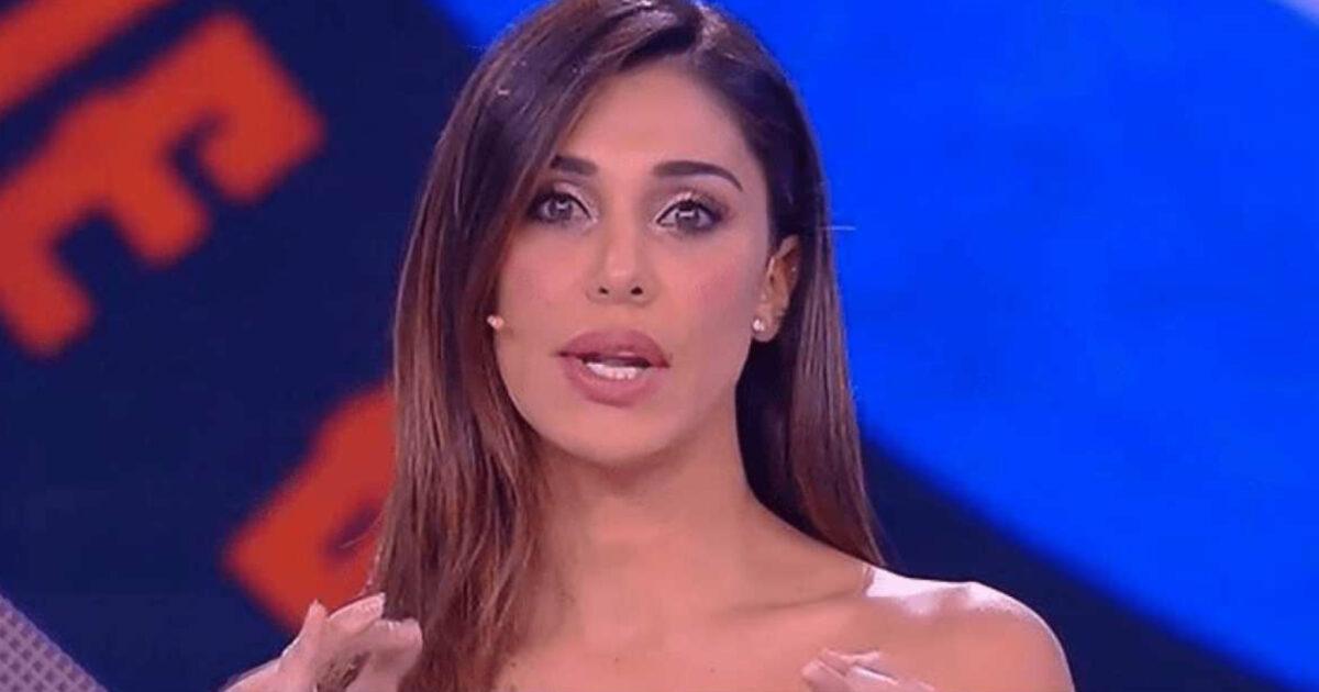 Belen Rodriguez perde le staffe con i paparazzi