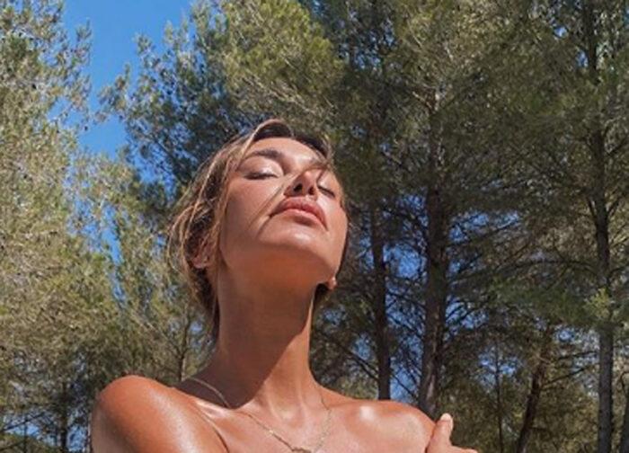 Belen Rodriguez scatenata a Capri
