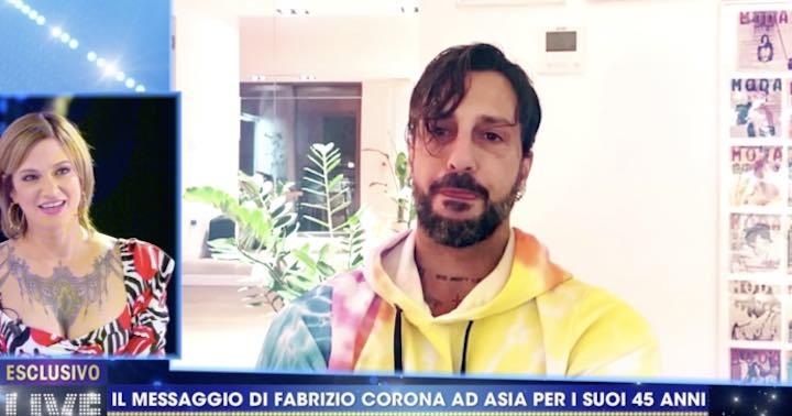 Asia Argento commossa per il messaggio di auguri di Fabrizio Corona