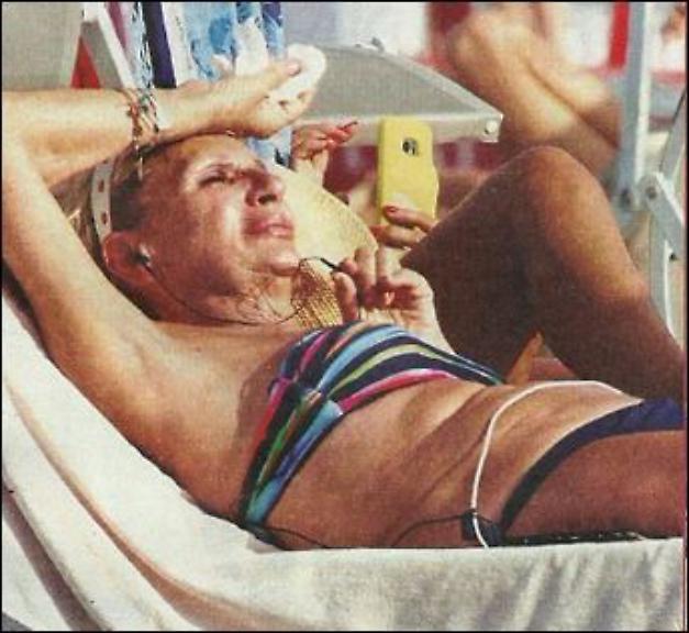 La foto in bikini divide la rete