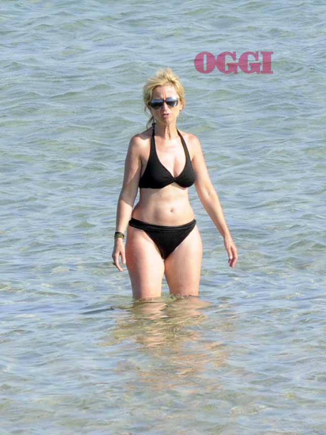 Luciana Littizzetto in bikini