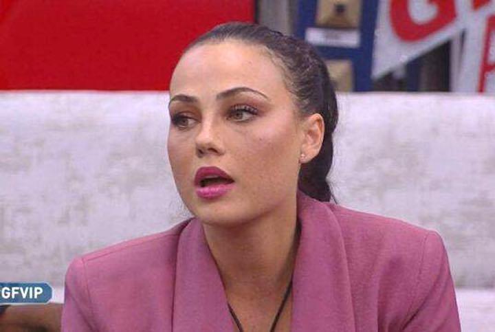 Colpo di scena al GF Vip, Adua Del Vesco è incinta?