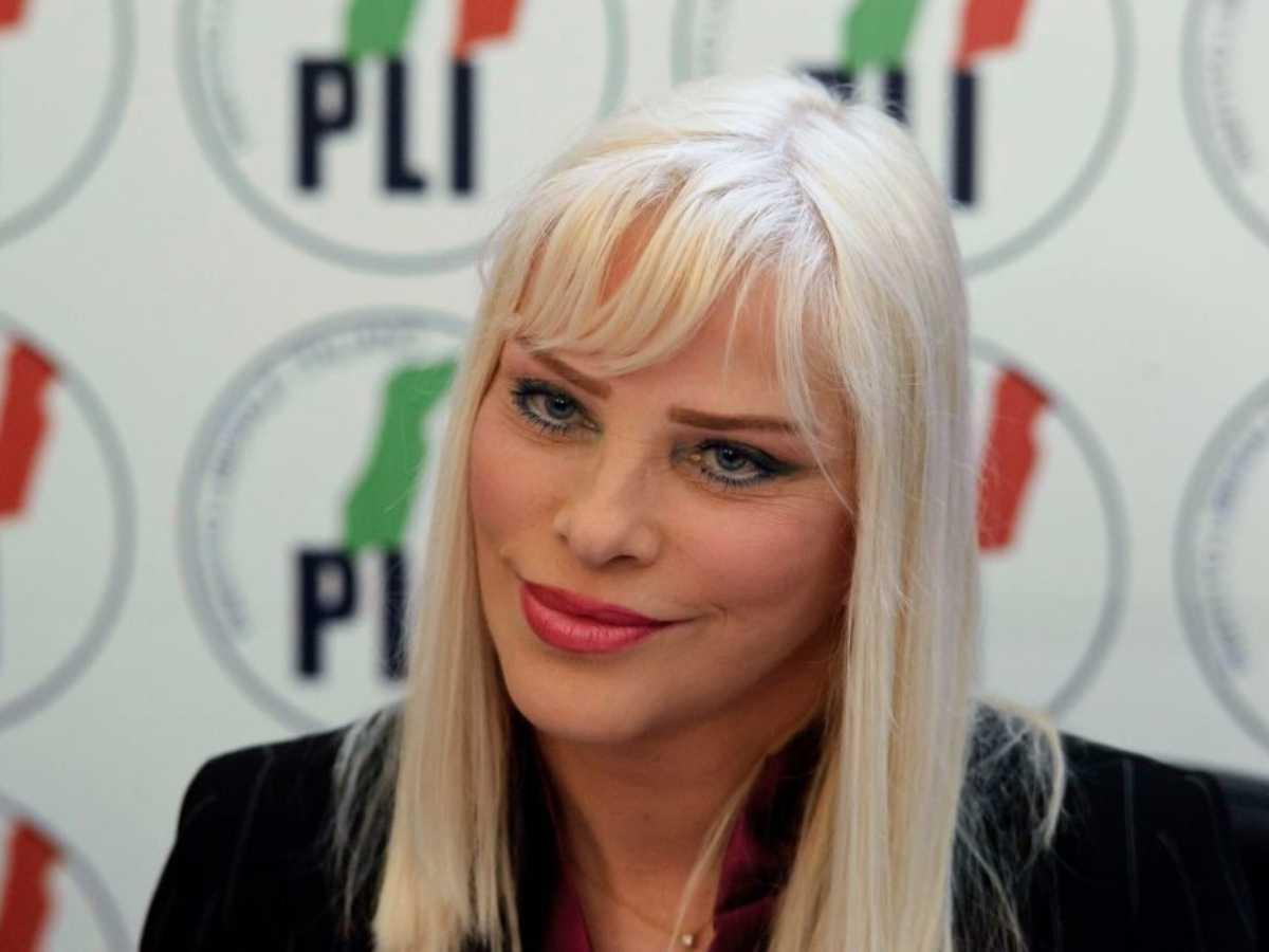 Ilona Staller furibonda per il taglio dei vitalizi