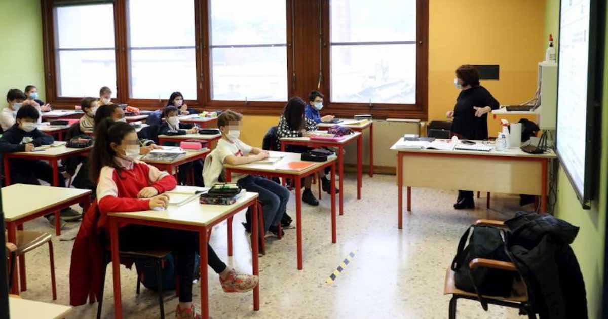 Covid e scuola, la proposta del ministro De Micheli