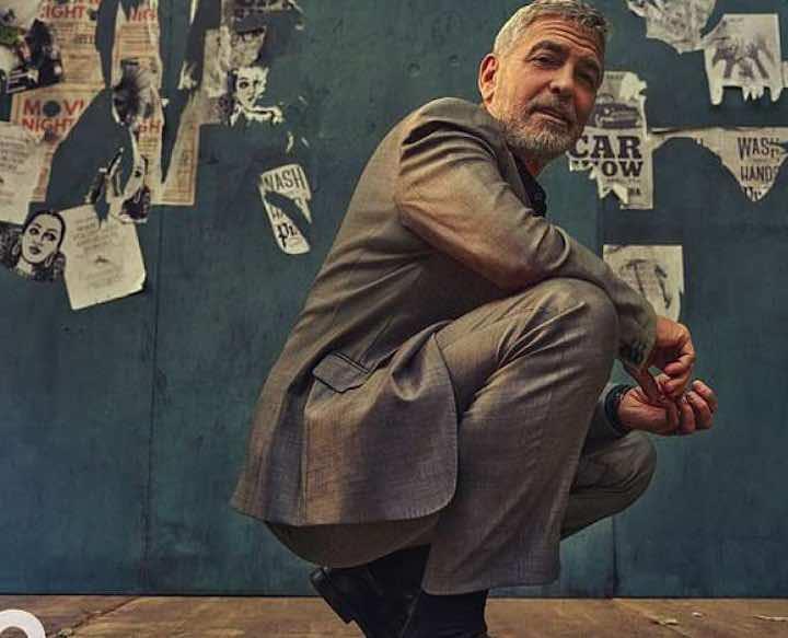 George Clooney dona un milione di euro ai suoi amici