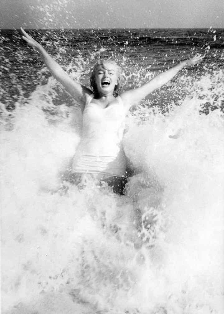 Marilyn Monroe nelle foto inedite in costume da bagno 4