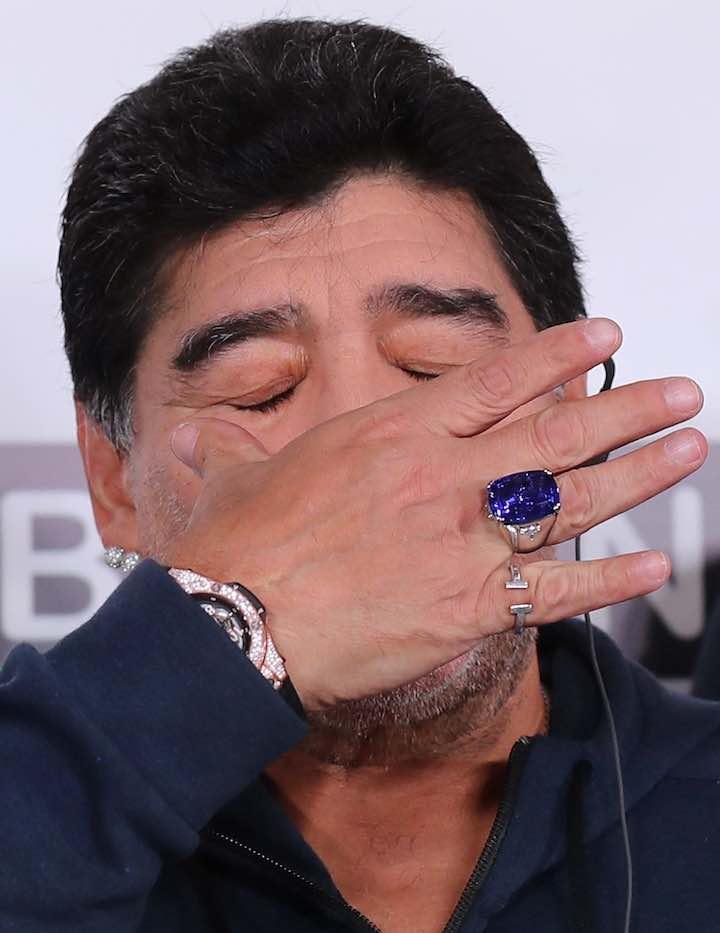 Maradona, l'anello era un regalo del club bielorusso e ne andava fiero