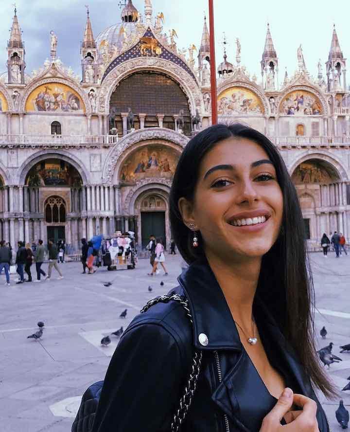 Maria Laura De Vitis, la giovane fidanzata di Paolo Brosio