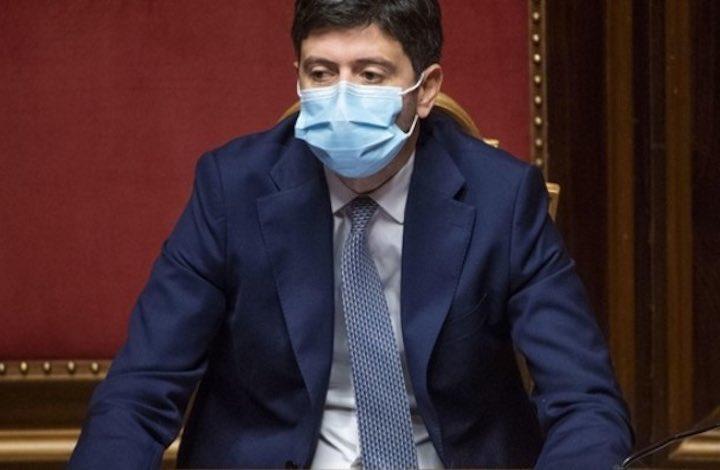 Vaccino Covid somministrato gratis a tutti gli italiani e senza obbligo