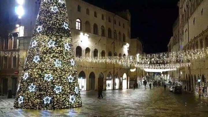 le misure anti Covid fanno infuriare gli italiani