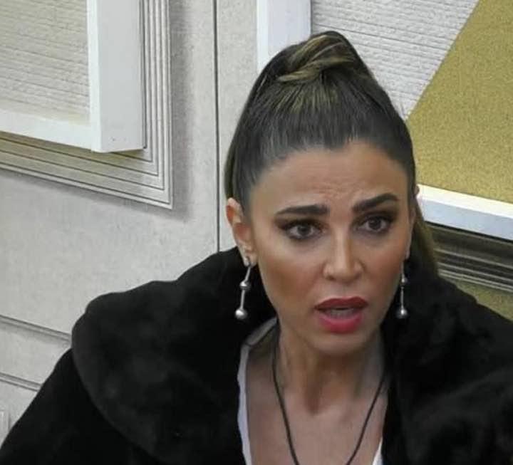 Cecilia Capriotti disperata si sfoga in lacrime