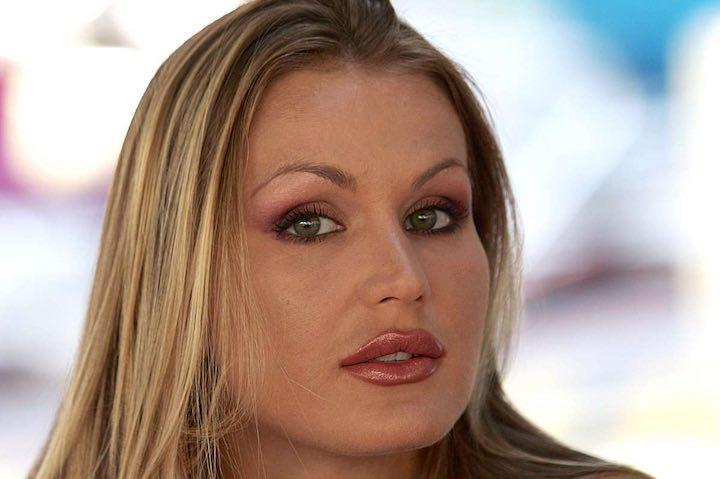 Eva Henger senza peli sulla lingua su Andrea Zelletta