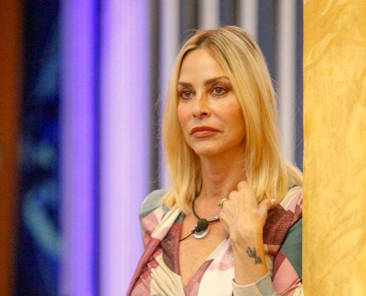 Stefania Orlando umiliata dal suo ex marito
