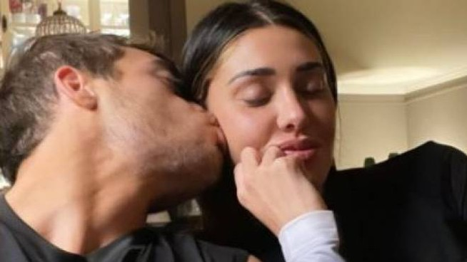 Belen Rodriguez è incinta e Stefano De Martino reagisce