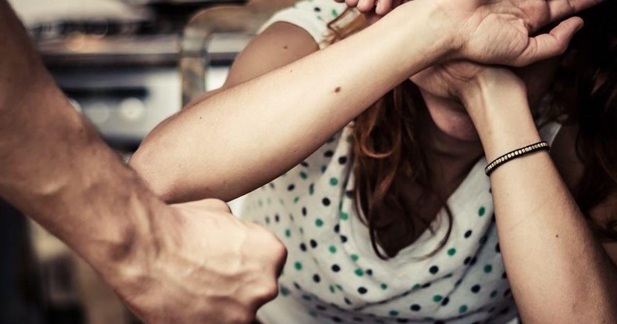 23enne picchiata da ex pubblica Facebook